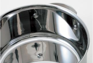 内側鏡面仕上げと鍋底の曲面形状
