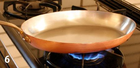 磨いた後は水洗いして、水気をふきとり、火であぶって水気を飛ばします。空焼きはしないでください
